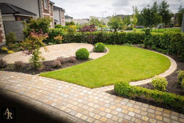 Lakeside-Landscaping-Designs