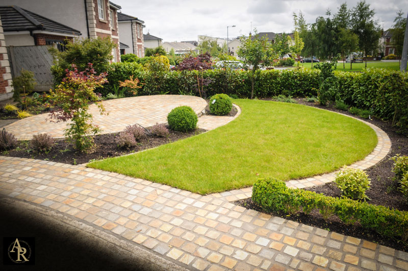 Landscaping patio area aidan ryan companies for Lakeside designs