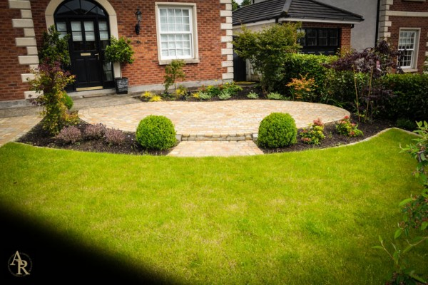 Design by Lakeside Landscaping